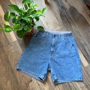 Vintage Levi mom denim shorts sz 12